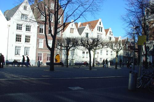 http://www.amsterdamsights.com/amsterdam/pix/spui.jpg